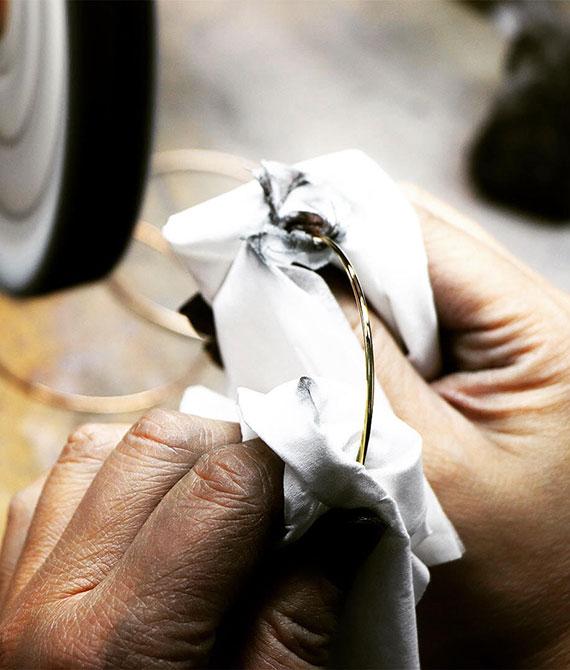 joaillerie française le travail de l'artisan joaillier